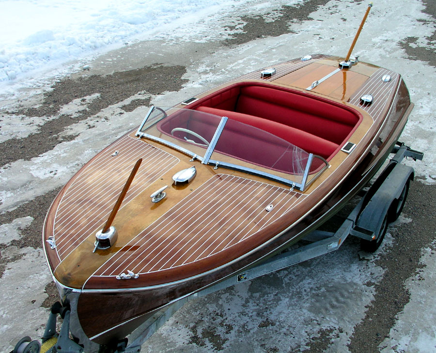 20 ft Chris Craft Custom Runabout