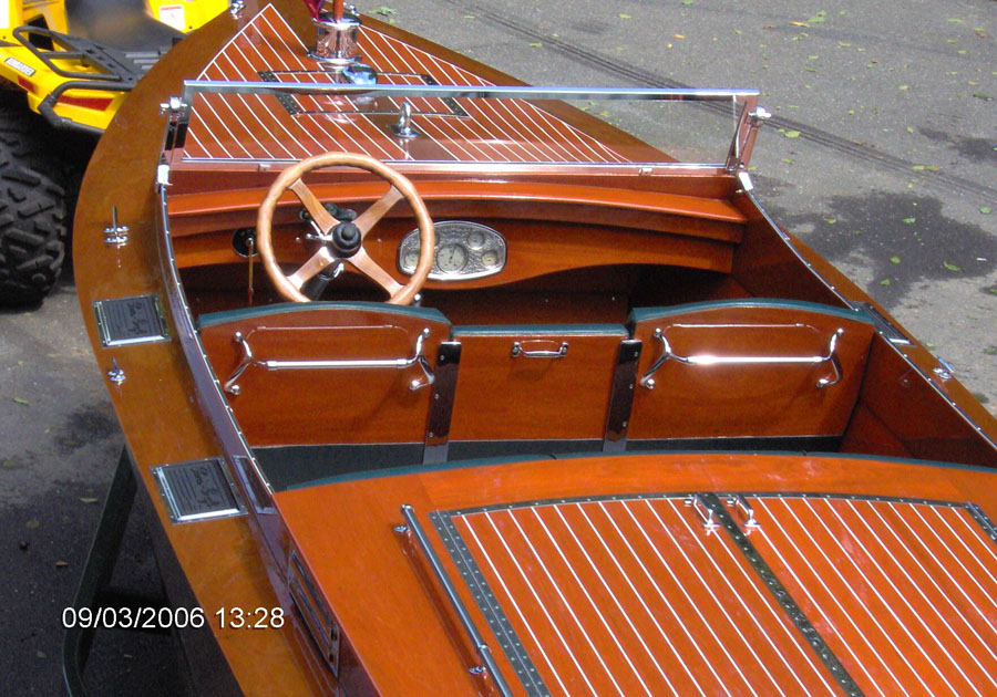 Classic Boats 1947 21 Ft Jeffrey Triple Cockpit Runabout