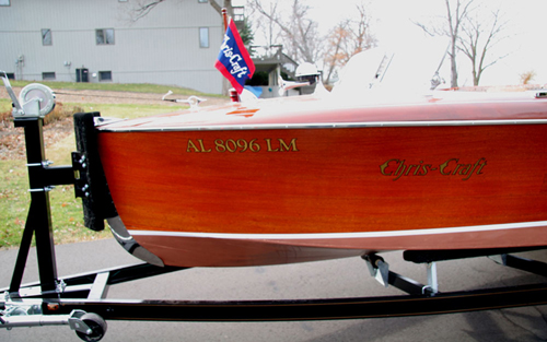 Single axle trailer for classic wooden boats