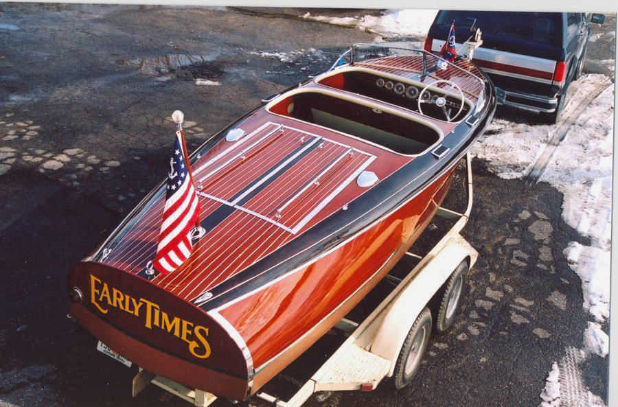 Classic Wooden Boat, 19 ft Barrel Back